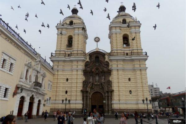 Lima - Monasterio San Francisco y Catacumbas