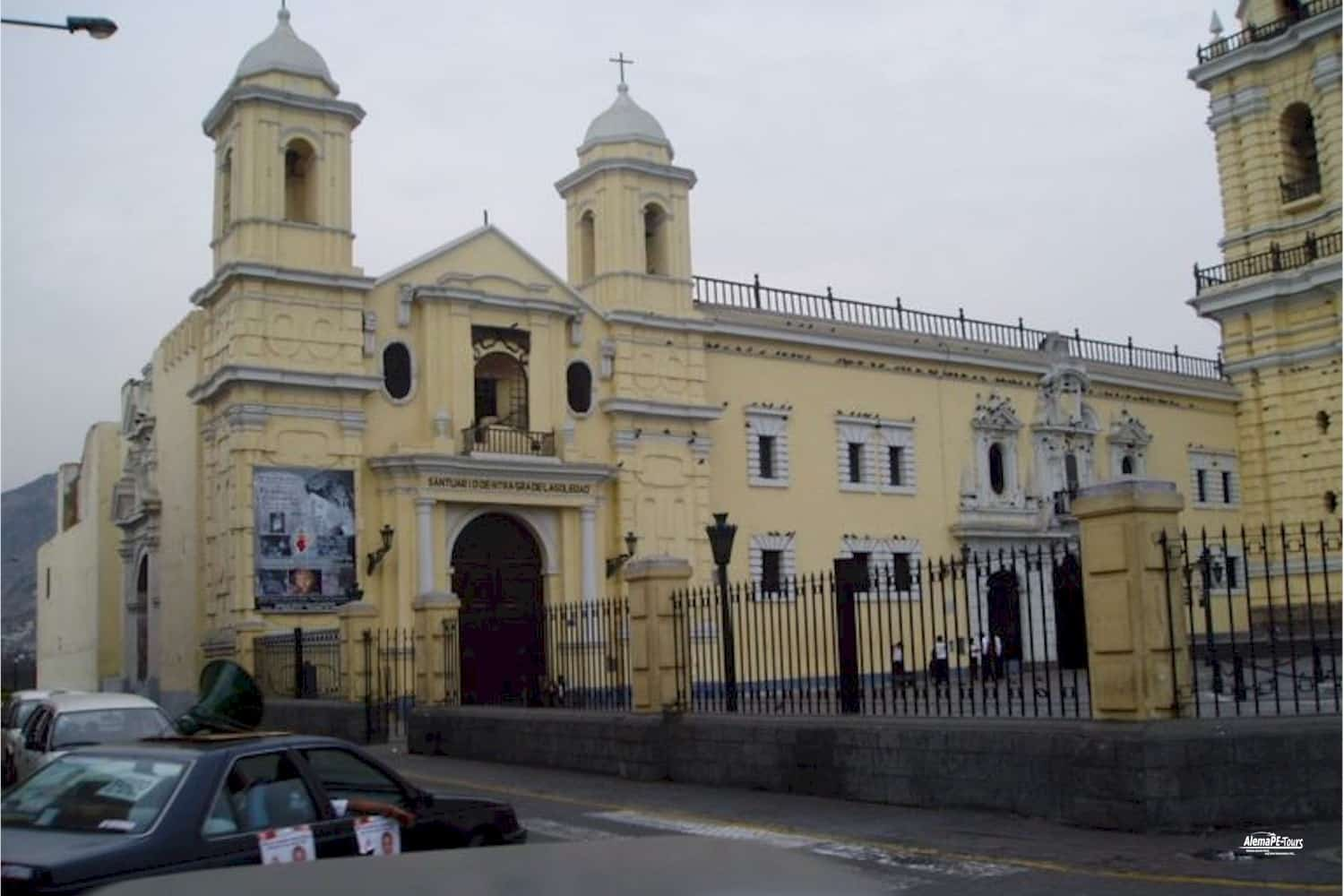 Lima - Monasterio San Francisco y Catacumbas