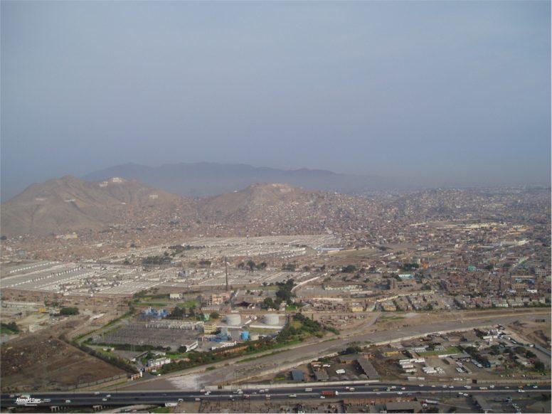 Lima - Vista desde Mirador Sam Cristobal