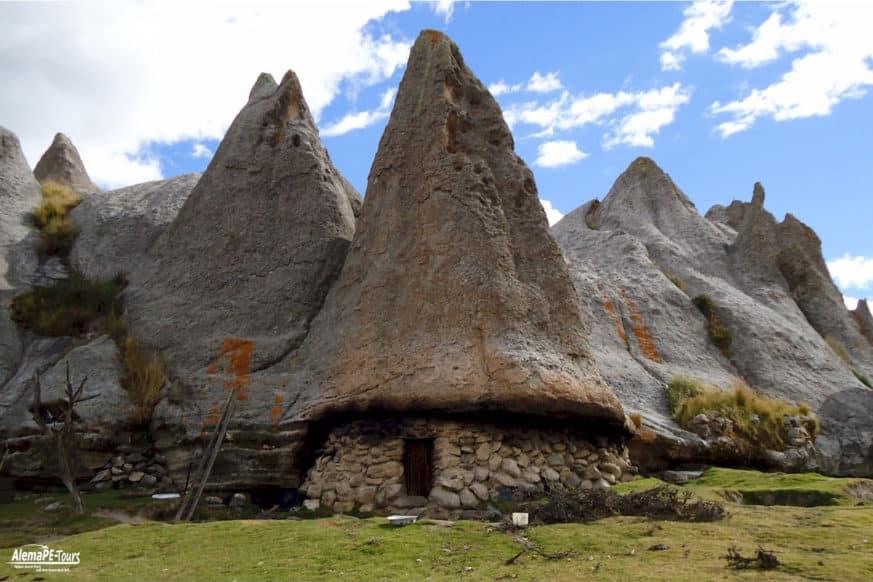 Andahuaylas - Bosques de Piedra de Pampachiri