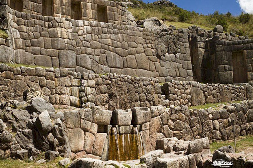 Cusco - Tambomachay
