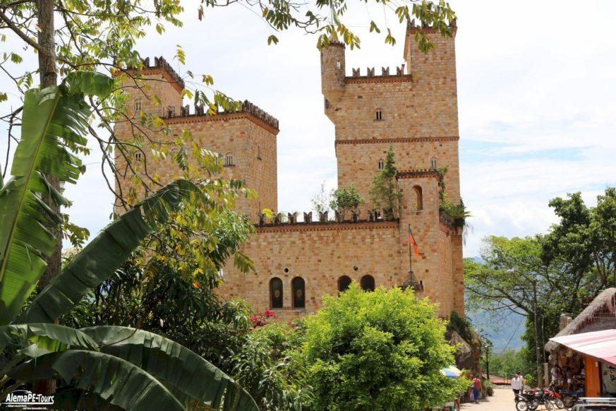 Lamas - The Castle